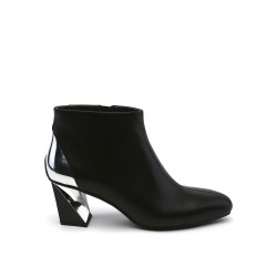 Twist Flow Bootie Black